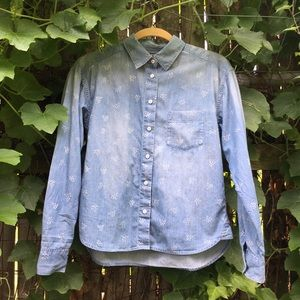 UNIQLO | patterned denim button down shirt